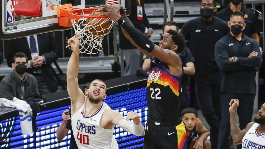 Lob pity: Clippers' hopes dashed on one play