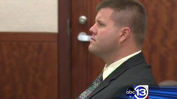 Jury deciding fate of ex-Houston officer