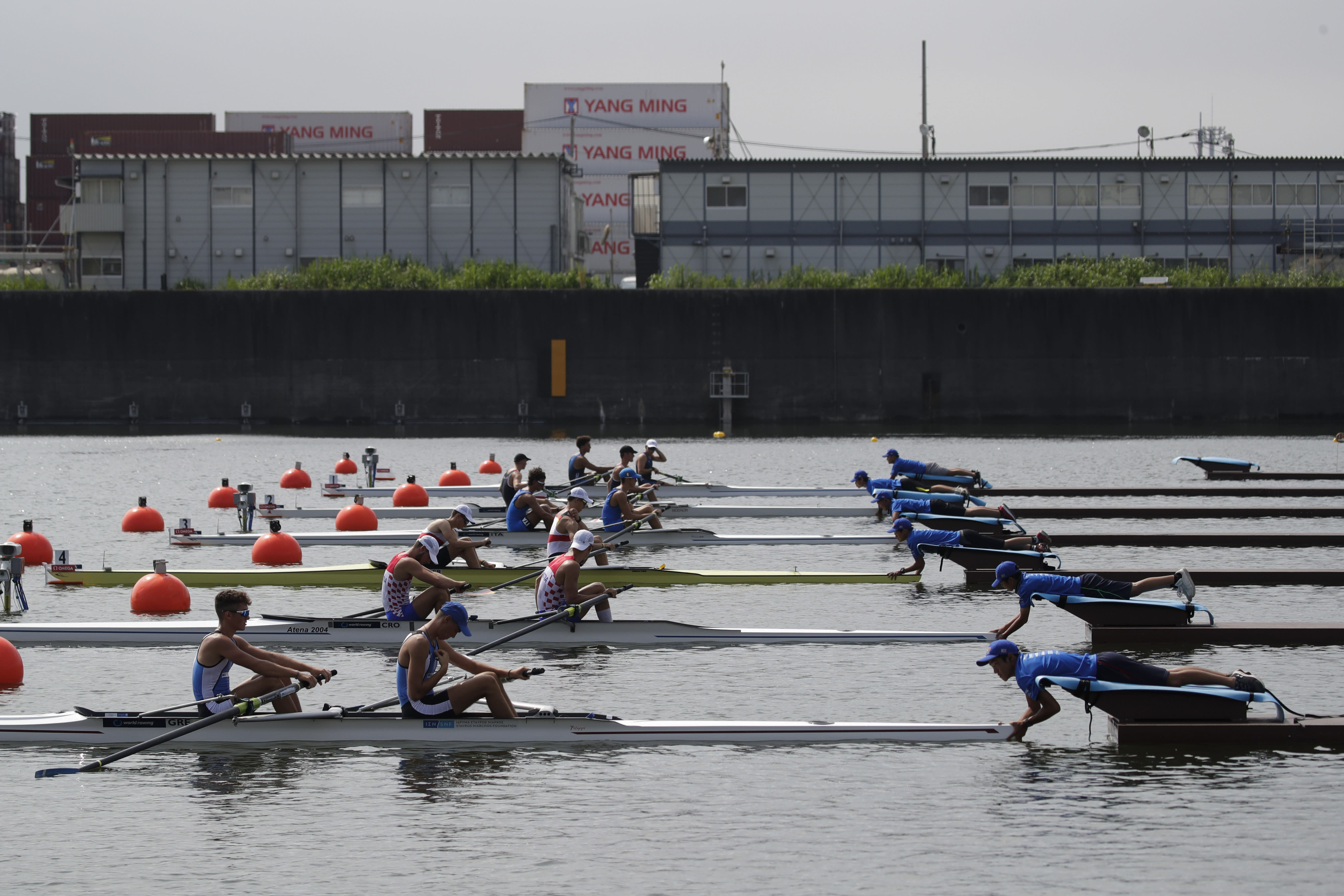 Rowers were left struggling against the soaring temperatures at the 2019 World Rowing Junior Championships. (AP Photo/Jae C. Hong)