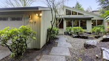 Seattle-area home price reductions surge, signaling market shift
