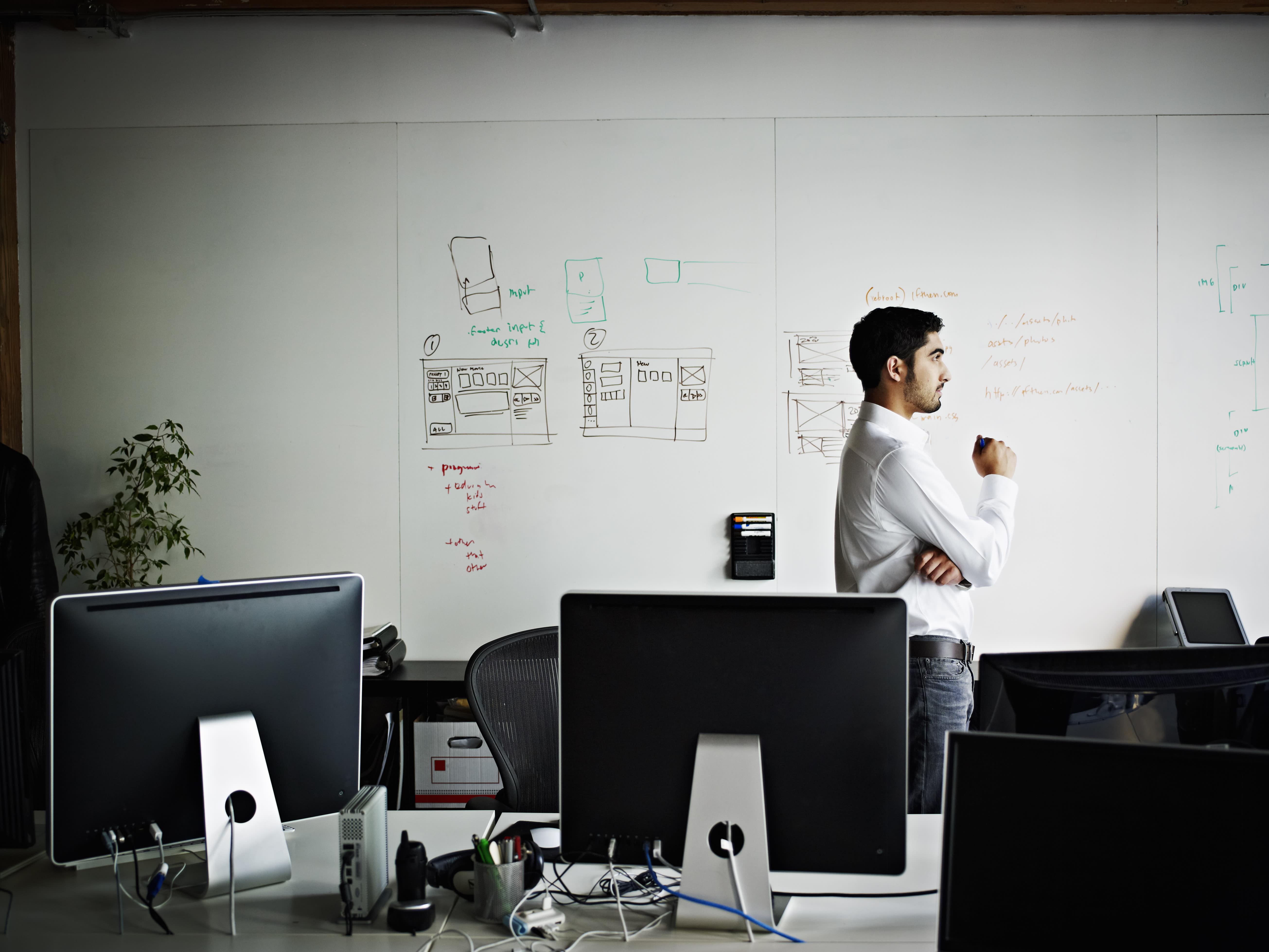 A Five-Time Entrepreneur Explains Whether You Should Raise Money or Bootstrap