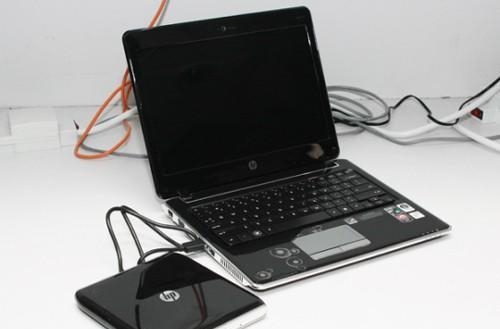 HP's 12.1-inch Pavilion dv2 on sale and photographed