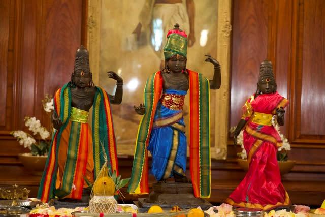 英国将1978年从印度教寺庙失窃的印度雕像移交给印度
