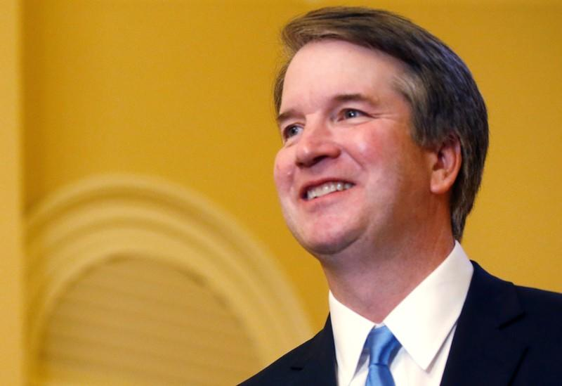 Kavanaugh avoids controversy in first major appearance