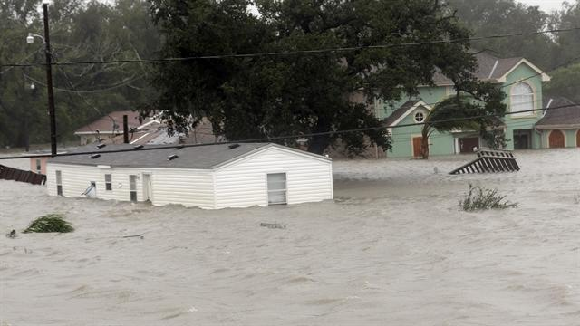 Isaac floods Mississippi