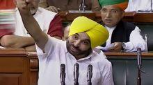 'Mandir Wahin Banayenge', 'Inquilab Zindabad': Oath-Taking Turns Into Sloganeering Contest in Lok Sabha