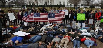 Teens lie in front of WH to demand gun control