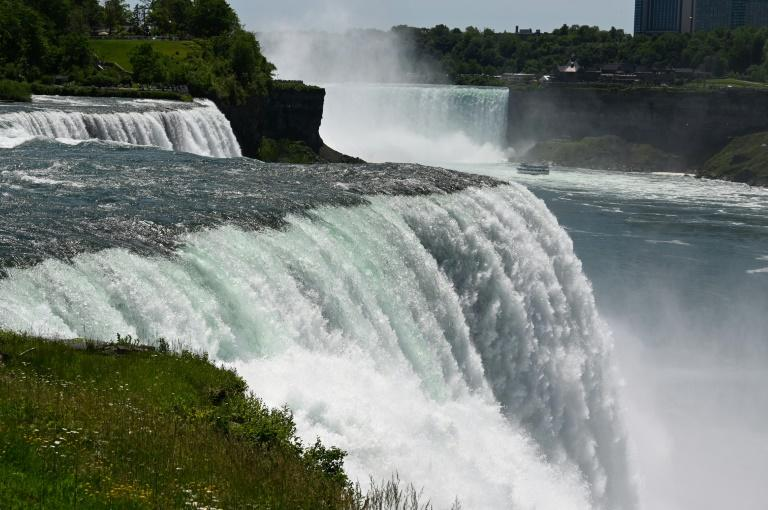 Boat stuck above Niagara Falls for over a century moves downriver