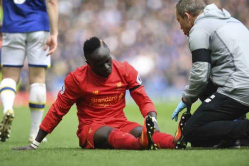 Liverpool anuncia lesão de Mané e tempo de recuperação
