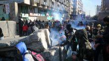 Irak: des roquettes frappent l'ambassade américaine, les manifestants défient le pouvoir