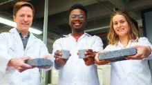 Así es el primer bioladrillo hecho con orina humana