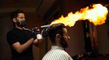 Il va se faire couper les cheveux, il repart avec le front brûlé... le coiffeur était mécanicien
