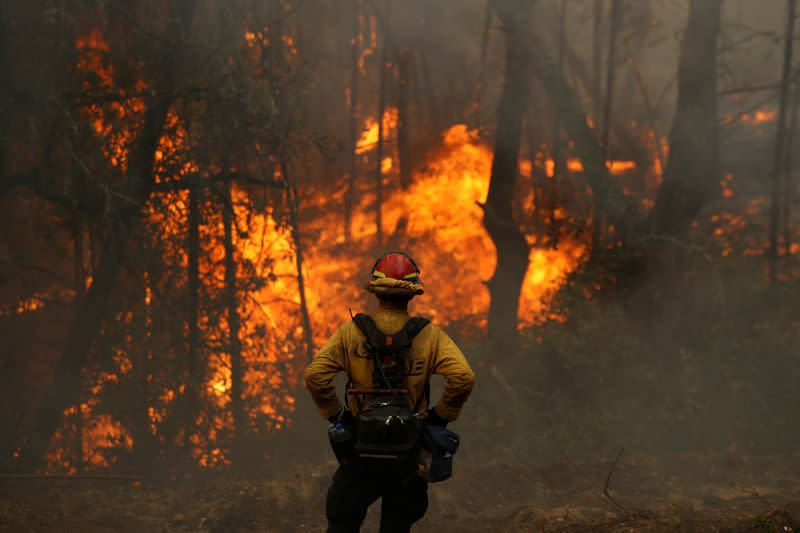 The Glass Fire burns in Calistoga
