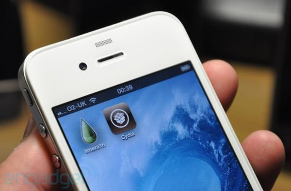 Limera1n jailbreaks the iPhone and iPod touch running iOS 4.1, angers dev community and neuters one of our phones (video)