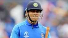MS Dhoni sparks 'clearly unhealthy' drama within Indian team