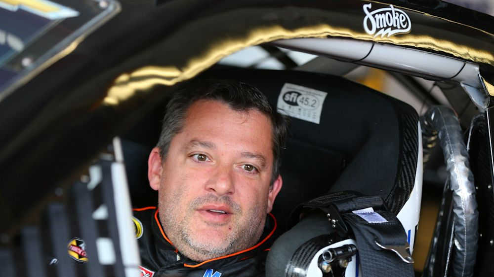 Tony Stewart wins first race since his 'retirement'