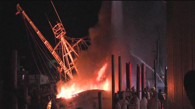 Long cleanup underway after Tarpon Springs shrimp boat fire