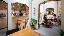 Cafés e bares com lojas de plantas espalham suas raízes por SP