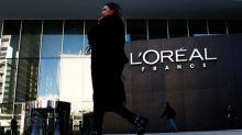 L'Oreal sales fall in first quarter, e-commerce surges