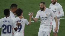 Foot - ESP - Karim Benzema double buteur, le Real Madrid s'impose à Cadix