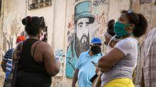 Dólar volta a supermercados em Cuba para impulsionar economia