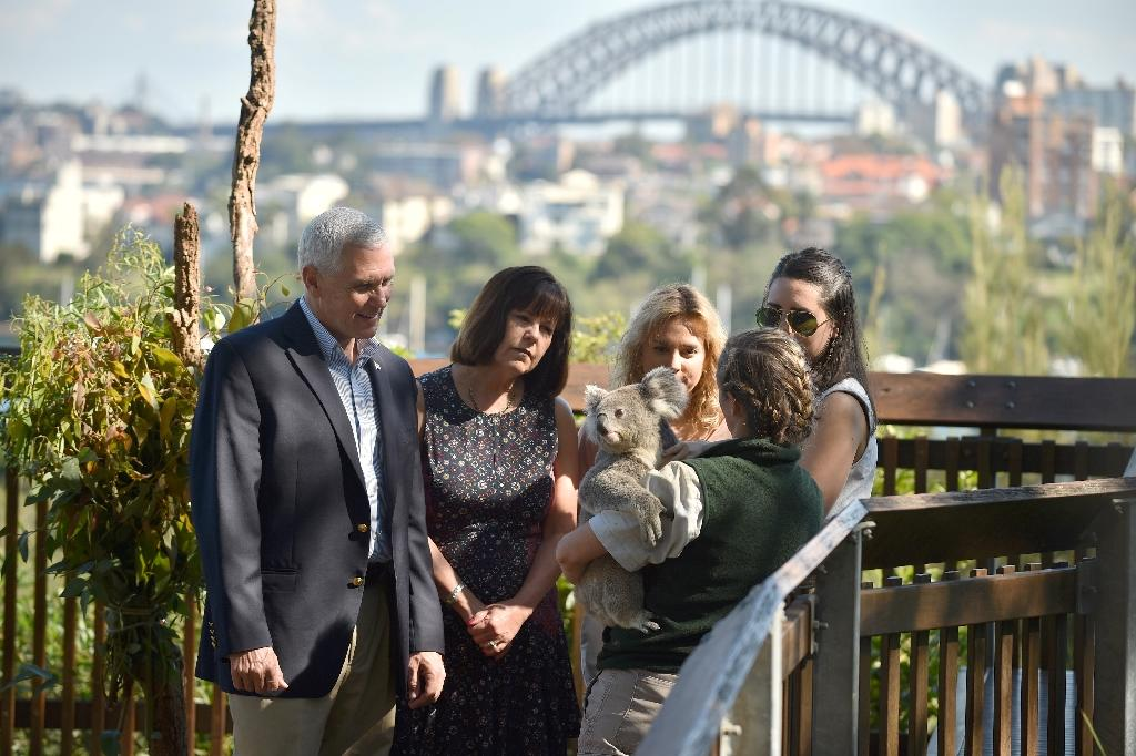 (L-R) US Vice President Mike Pence, his wife Karen, and their daughters Charlotte and Audrey visit the Taronga Park Zoo in Sydney on April 23, 2017 during the vice president's three-day tour in Australia (AFP Photo/Peter PARKS)