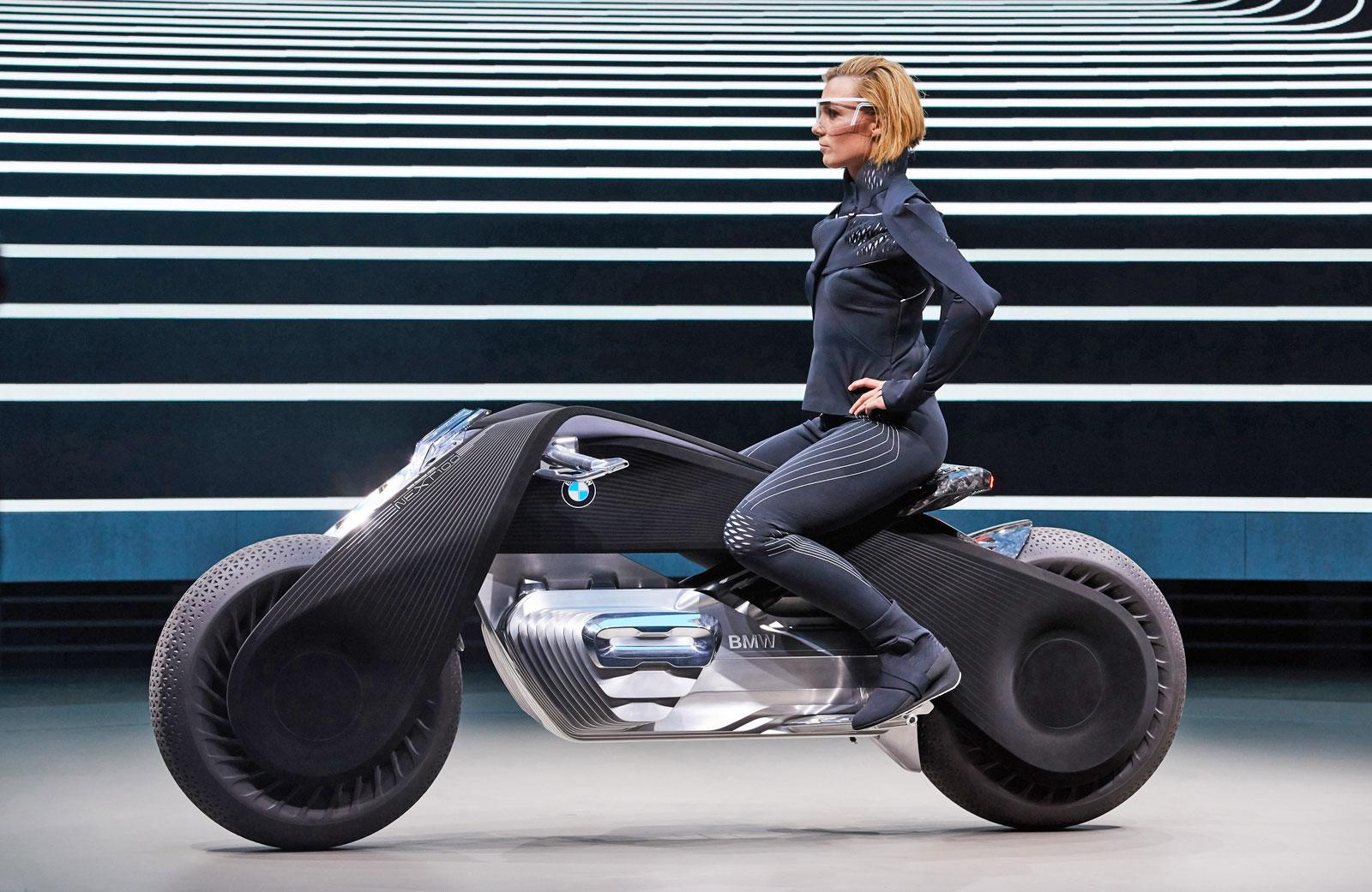 Bmw S Futuristic Motorcycle Balances On Its Own