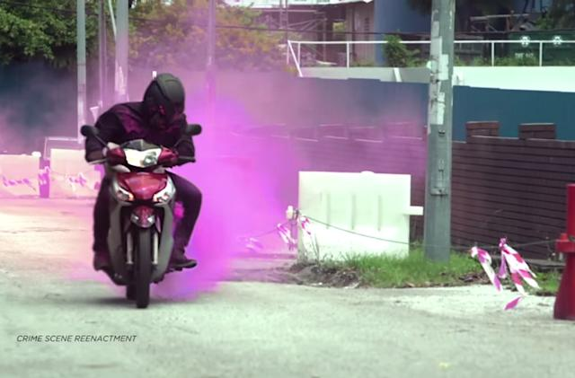 Thwart purse-snatchers with this hidden smoke and dye bomb