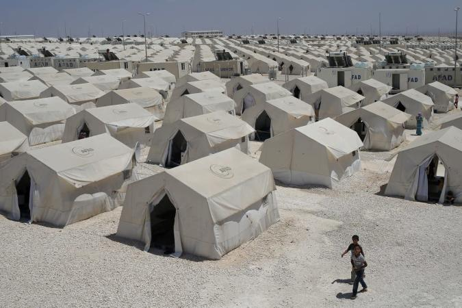 Facebook will help the UN bring internet access to refugee camps