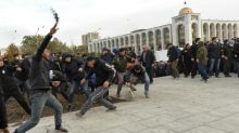 Crise politique au Kirghizstan : affrontements dans la rue entre factions politiques rivales