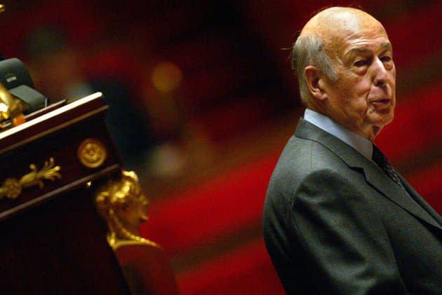 Obsèques de Valéry Giscard d'Estaing: une cérémonie familiale limitée à trente personnes