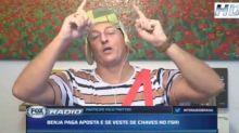 Com eliminação do São Paulo, Benja paga aposta e se veste de Chaves