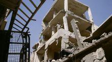 Syrie: Des habitants fuient Douma, l'évacuation de Harasta débute