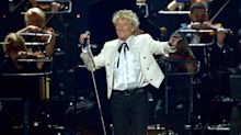 Rod Stewart to undergo ankle operation following knee replacement