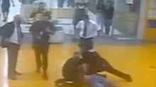 Novo vídeo mostra que João Alberto Silveira Freitas foi asfixiado por 4 minutos