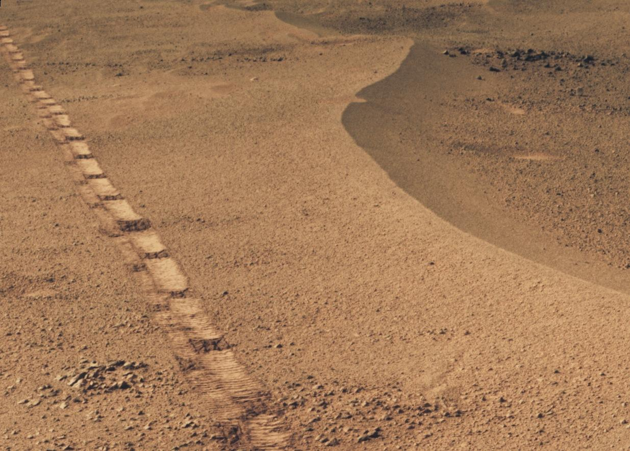 Opportunity rover's roll on Mars eerily echoes Apollo 16's ...