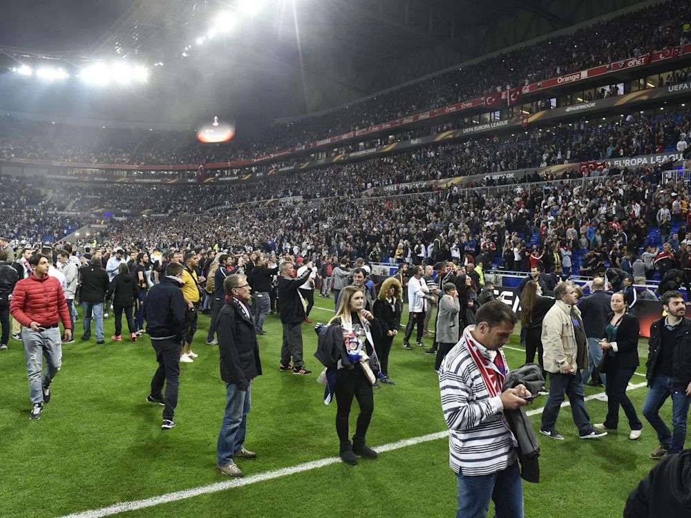 The crowd trouble was the biggest story of the evening: AFP/Getty Images