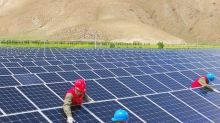 Climate change: Power companies 'hindering' move to green energy