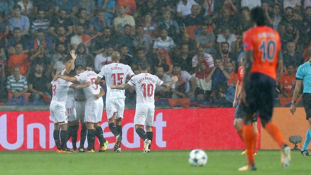 Champions League, risultati playoff: Siviglia e Olympiacos ai gironi