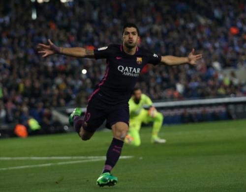 Le Barça gagne son derby et reprend la tête