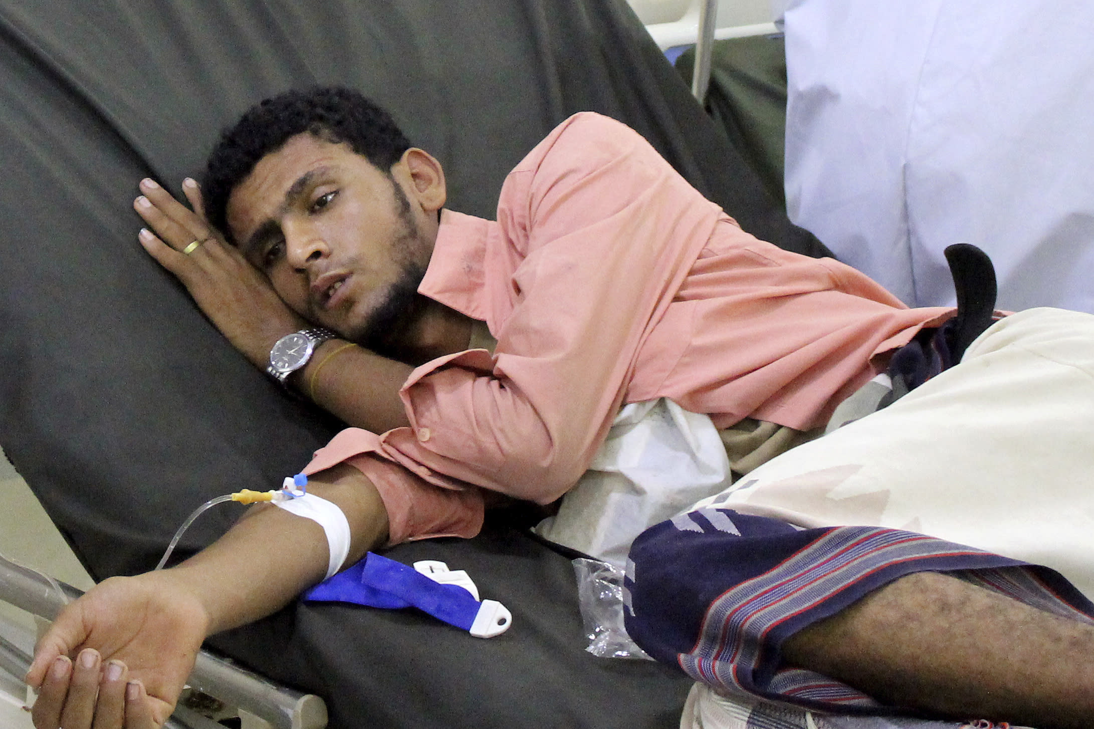 UN forced to cut aid to Yemen, even as virus increases need - yahoo