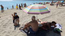 França exige teste de COVID-19 a turistas de 16 países e desaconselha viagens à Catalunha