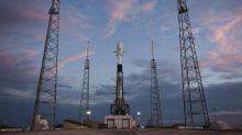 SpaceX to make grand entrance in satellite biz