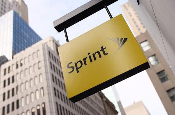 Bloomberg: Sprint planning a bid for T-Mobile this summer