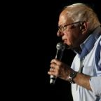 Bernie Sanders seeks U.S. voters on live-streaming gaming site