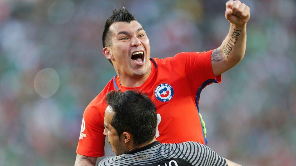 Los jugadores con más partidos en la Selección chilena