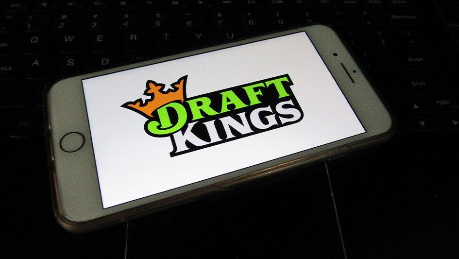 DraftKings Stock: Is It A Buy Right Now Ahead Of Earnings?