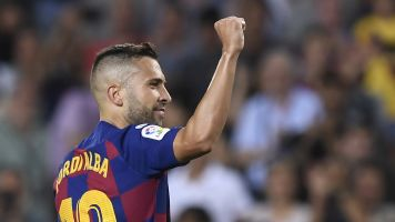 Alba forced off with hamstring injury against Borussia Dortmund