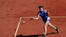 Svitolina eases into French Open second round