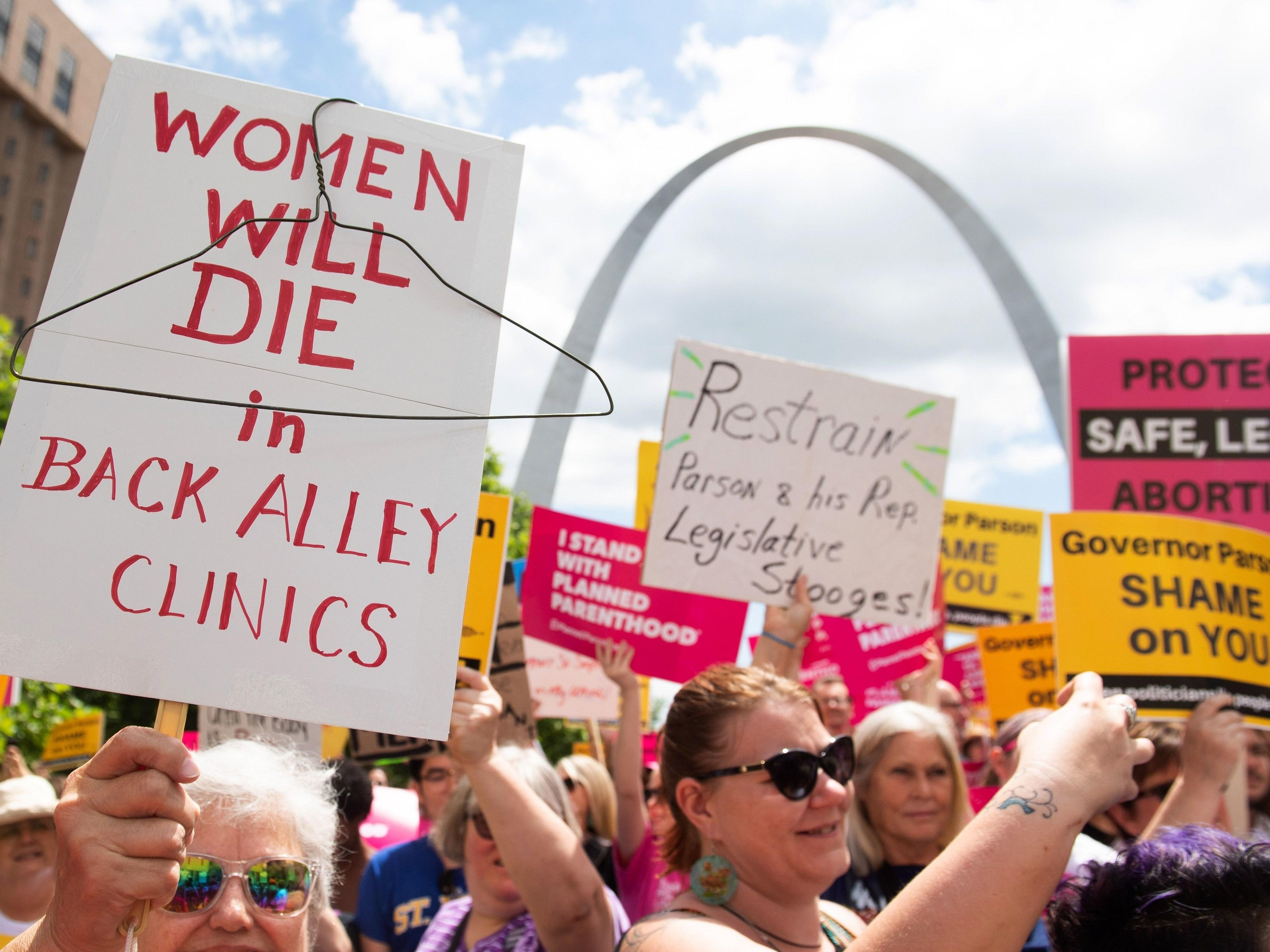 Planned Parenthood Withdraws From Title X Federal Funds. Here's What That Means